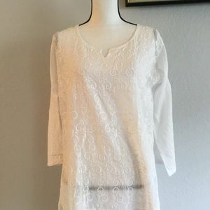 XL white embroidered long sleeve cotton blouse.